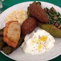 Foto tomada en Baalbek Lebanese (Arabian) Food por Beto C. el 10/6/2013