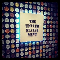 Das Foto wurde bei United States Mint von Ho am 7/2/2013 aufgenommen