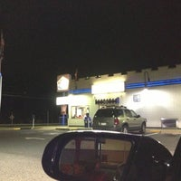 Photo taken at White Castle by DonTonTingo on 10/14/2012