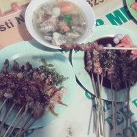 Photo prise au Warung sate kambing barokah par Adinda M. le3/8/2015