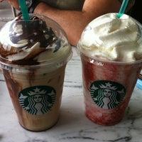 5/19/2013 tarihinde Nur N.ziyaretçi tarafından Starbucks'de çekilen fotoğraf