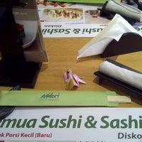 Photo taken at Midori Japanese Restaurant by Nina Eka P. on 9/28/2012