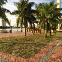 Photo taken at Rua Da Aurora by ZK F. on 2/19/2014