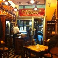 Foto scattata a Salsamenteria di Parma da 🌹Giulia D. il 2/24/2013