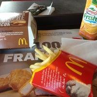 Foto tomada en McDonald's por Filipa 💋 el 11/18/2012