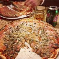 Foto tirada no(a) Presto Pizza Baixa por Filipa 💋 em 3/19/2013