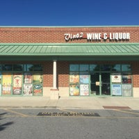 Photo taken at Vino - 2 Wine & Liquor by Vino - 2 Wine & Liquor on 7/8/2016