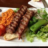 1/7/2013 tarihinde Zeynep K.ziyaretçi tarafından Taşhan Et & Restaurant'de çekilen fotoğraf