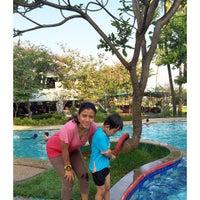 Photo taken at Swimming pool - Mercure Hotel by Maya C. on 4/12/2015