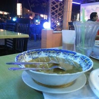 Photo taken at Restoran Ilham Tomyam by Hasnah A. on 12/20/2012