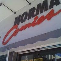 Foto diambil di Norma Comics oleh Paolo P. pada 1/18/2012