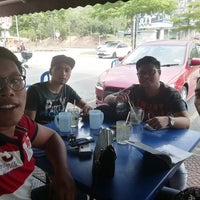 Photo taken at Restoran Fazlina Maju by Muhammad Azri b. on 1/10/2017