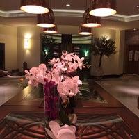 Das Foto wurde bei Shababik Restaurant von Ozlem T. am 10/18/2014 aufgenommen