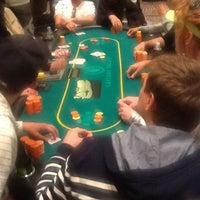 Foto tomada en Caesars Palace Poker Room por Karl R. el 7/9/2013
