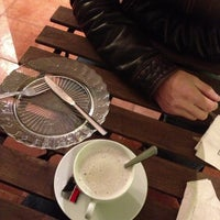 Foto scattata a Yumcha Bubbles, Tea & Co. da Mar U. il 12/5/2012