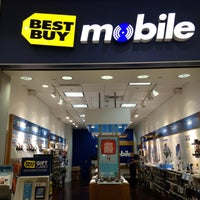 Photo taken at Best Buy Mobile by Jonathan S. on 5/12/2013