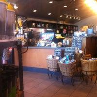 Photo taken at Starbucks by Irlor on 7/4/2013