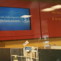 Photo taken at Wells Fargo Bank by Edixon R. on 5/21/2016