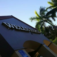 Photo taken at Wells Fargo Bank by Edixon R. on 1/31/2017