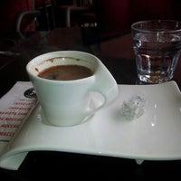 7/4/2013 tarihinde Bulent C.ziyaretçi tarafından Coffeeshop Company'de çekilen fotoğraf