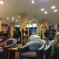 Снимок сделан в The Watson Hotel пользователем Jay Y. 10/28/2012