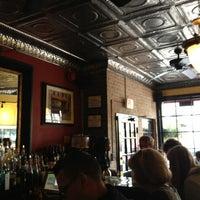 Foto scattata a Café Bonaparte da Jay Y. il 2/23/2013