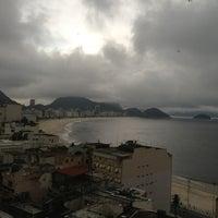 Das Foto wurde bei Copacabana Rio Hotel von Евгений Я. am 2/8/2013 aufgenommen