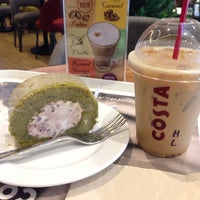 Photo taken at Costa Coffee by AdreNalin L. on 3/21/2015