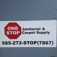 Foto scattata a One Stop Janitorial & Carpet Supply da Joel C. il 6/26/2013
