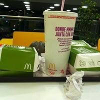 Foto tomada en McDonald's por Made v. el 11/18/2012