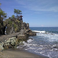 Photo taken at Batu Bolong Temple by kanty r. on 5/21/2013