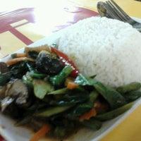 Photo taken at ร้านสุขภาพ อาหารเจ by Kim S. on 10/9/2012