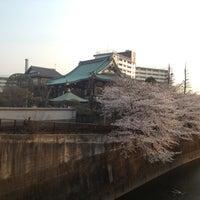 Photo taken at 瀧河山松橋院 金剛寺 by Atibot T. on 3/23/2013