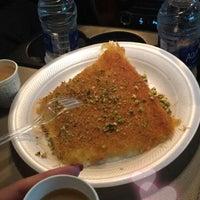 Photo taken at كنافة حبيبه by Alanezi on 8/27/2017