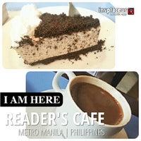 Foto tomada en Reader's Cafe por Tixie P. el 8/4/2013