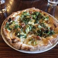 Das Foto wurde bei Babbo Pizzeria von Yuri am 11/16/2017 aufgenommen
