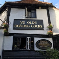Photo taken at Ye Olde Fighting Cocks by NedWasHere on 6/15/2017