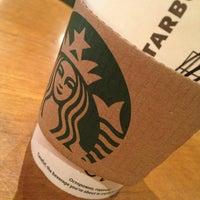 Снимок сделан в Starbucks пользователем VictoriTa 2/13/2013