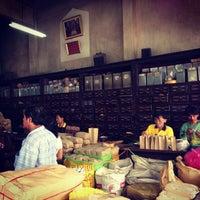 Photo taken at เจ้ากรมเป๋อ ร้านขายยาแผนโบราณ by Arun S. on 3/17/2013