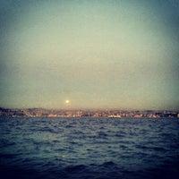 4/25/2013 tarihinde Hilal B.ziyaretçi tarafından Kabataş Sahili'de çekilen fotoğraf