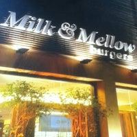 Photo taken at Milk & Mellow Burgers by Luiz Gustavo X. on 2/7/2013