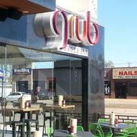Foto tomada en Grub Burger Bar por Jayson R. el 11/29/2013