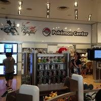 รูปภาพถ่ายที่ Nintendo NY โดย Krakatau B. เมื่อ 7/6/2013