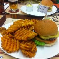 Foto tirada no(a) General Prime Burger por Joice G. em 4/18/2013