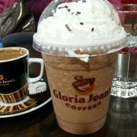 Photo taken at Gloria Jean's Coffees by asli k. on 12/27/2014