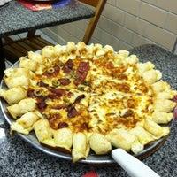 Foto tirada no(a) Pizza Hut por Diego R. em 9/26/2012