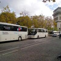 Foto tomada en Le Bus Direct - Etoile por Steffen H. el 10/30/2013