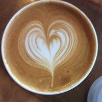 Снимок сделан в Gracenote Coffee пользователем Alissa C. 2/16/2017