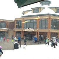 Photo taken at Stowe Mountain Resort by Roberto V. on 12/30/2012