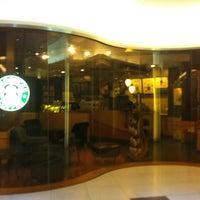 Photo taken at Starbucks by Piak P. on 7/29/2013